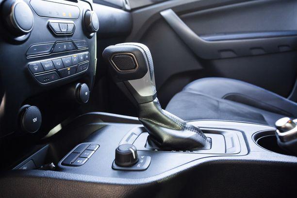 10-vaihteinen automaatti toimii hienosti. Samaa laatikkoa hyödynnetään esimerkiksi Ford Mustangissa.
