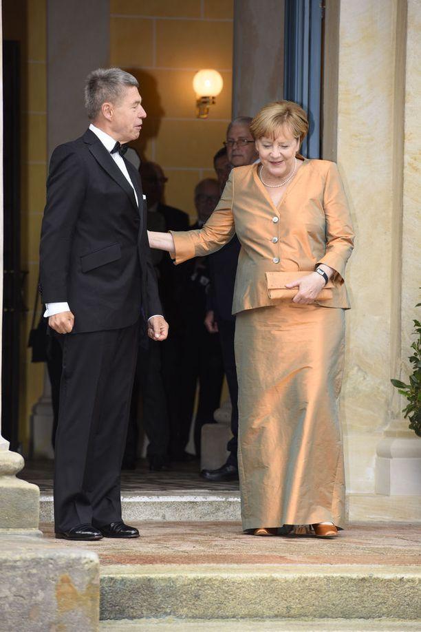 Merkel osallistui aviomiehensä Joachim Sauerin kanssa Richard Wagnerin oopperaan Bayreuthin festivaaleilla heinäkuussa.