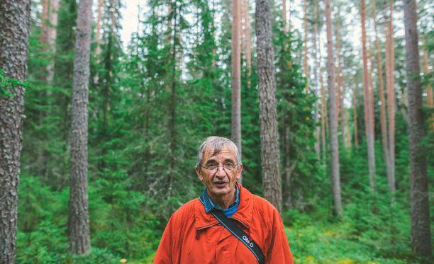 Michel Bras kävi Mäntässä sienimetsässä.