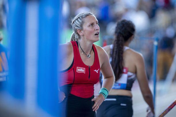 Holly Bradshaw harmitteli, että hankala hyppypaikka pilasi monien kisan.