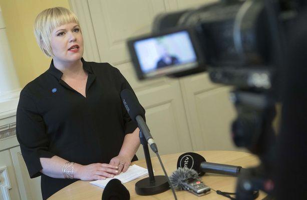 Ministeri Annika Saarikon päätöksellä nimettiin 8 hengen ryhmä. Siinä on vain yksi mies.
