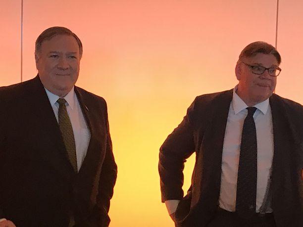 Ulkoministerit Mike Pompeo ja Timo Soini Rovaniemellä.