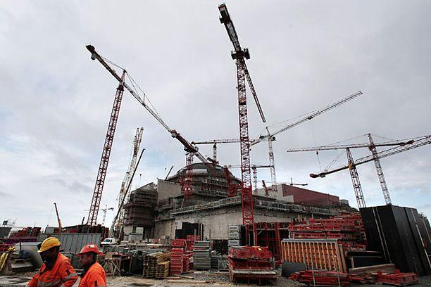 Olkiluoto 3:n arvioidaan valmistuvan vuonna 2012.