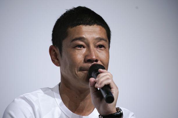 Zozon ex-omistaja Yusaku Maezawa etsii seuralaista.