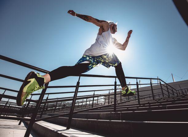 Fyysinen aktiivisuus suojaa aivoja ja mieltä iän myötä tapahtuvalta rappeutumiselta.