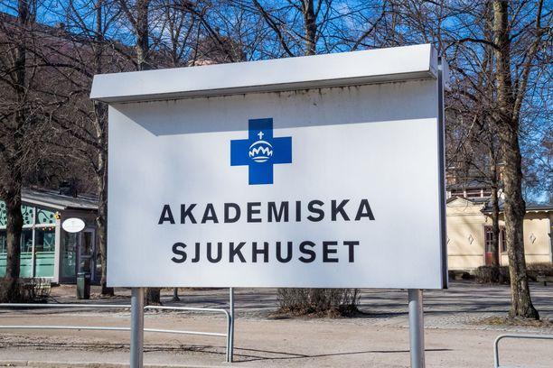 Ruotsin valitsema koronapuolustus herättää aiheellisia kysymyksiä.