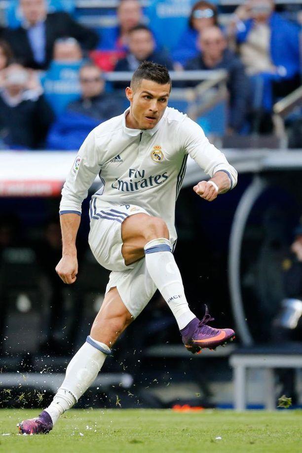 Cristiano Ronaldo tähtää jälleen uuteen maaliennätykseen.