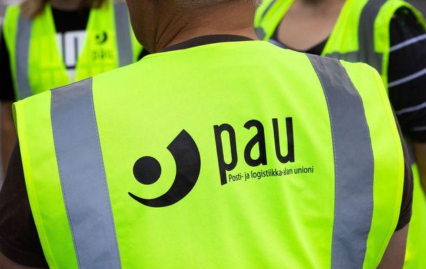 Posti- ja logistiikka-alan unionin PAU:n mukaan Posti on vaatinut palkanalennuksia jo pitkään.