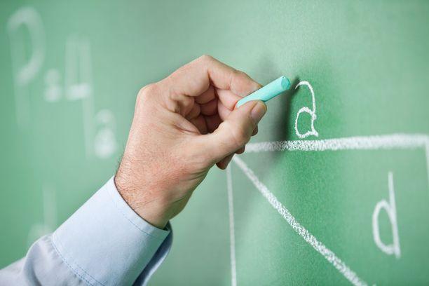 Osa opettajista kokee, että vanhempien kanssa riitely vie aikaa opetustyöltä.