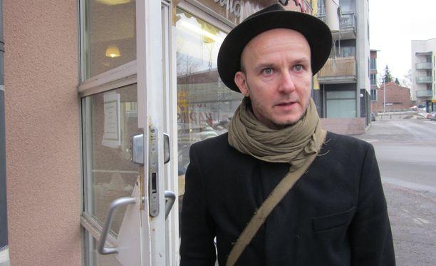 Samuli Putrolta ilmestyi helmikuussa levy Valkoinen hetero.