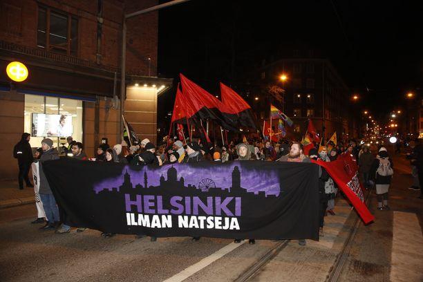 Helsinki ilman natseja -mielenosoitus viime vuodelta.
