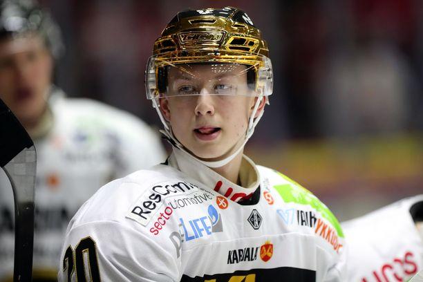 Kärpissä loistaneelta Aleksi Heponiemeltä odotetaan varmasti tehoja myös nuorten MM-kisoissa.