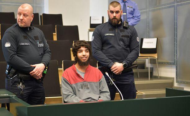 Suurin yksittäinen kysymys oikeuskäsittelyssä on se, tekikö Bouanane henkirikokset rikoslain määrittämässä terroristisessa tarkoituksessa.