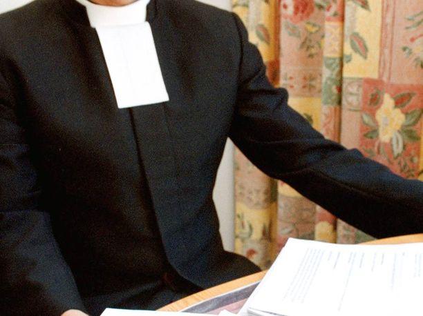 Pappien toiminta rippileireillä herättää välillä kummastusta.