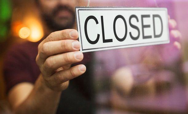 Hallitus esittää uutta tukea koronaepidemian vuoksi suljetuille ravintoloille ja muille tiloille. Kuvituskuva.