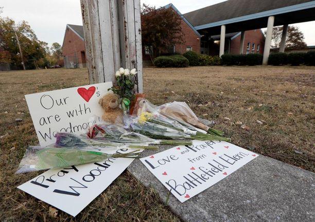 Viisi lasta kuoli tuhoisassa bussiturmassa Chattanoogassa Tennissä.