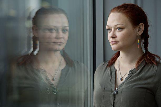 Ella, 31, unelmoi saavansa jonain päivänä oman perheen.