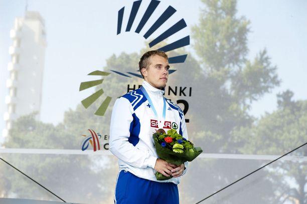 Ari Mannio oli Helsingin katastrofikisoissa pronssilla vuonna 2012. Muita kahdeksan joukkoon selvinneitä suomalaisia oli vain Roni Ollikainen pituudessa.