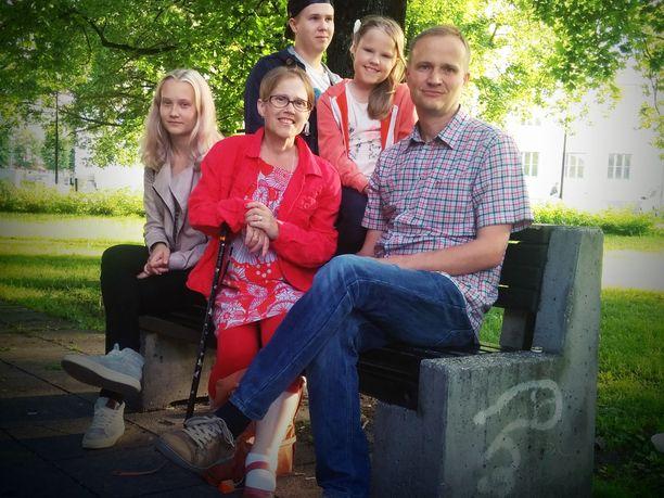 Within perheen kesäinen matka Tallinnaan vuonna 2016 jäi viimeiseksi yhteiseksi lomamatkaksi.