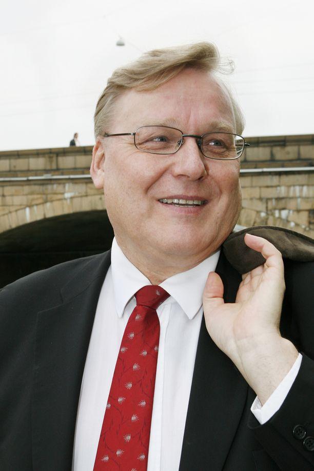 Timo Vallittu on toiminut puheenjohtajana ensin Kemian liitossa ja sitten Teollisuusalojen ammattiliitossa.