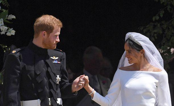 Prinssi Harryn ja herttuatar Meghanin häät kiinnostivat miljoonia ihmisiä. Vieraina nähtiin esimerkiksi George Clooney ja James Corden.