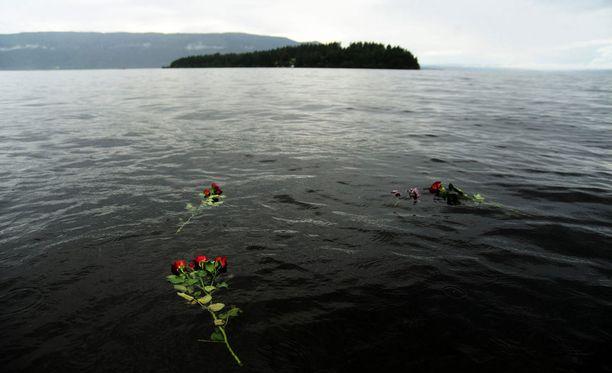 Utöyan saarella ja Oslossa kuoli tasan neljä vuotta sitten 77 ihmistä.