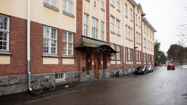 Vanhuksia kaltoinkohdetiin Turun kaupunginsairaalassa vuosikausia. Epäillyistä pahoinpitelyistä ei ilmoitettu poliisille, vaikka viranomaiset saivat niistä tietää.