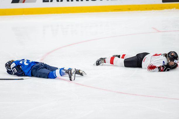 Sanni Hakala ja Kaleigh Quennec loukkaantuivat hirvittävässä yhteentörmäyksessä Espoon MM-kisoissa.