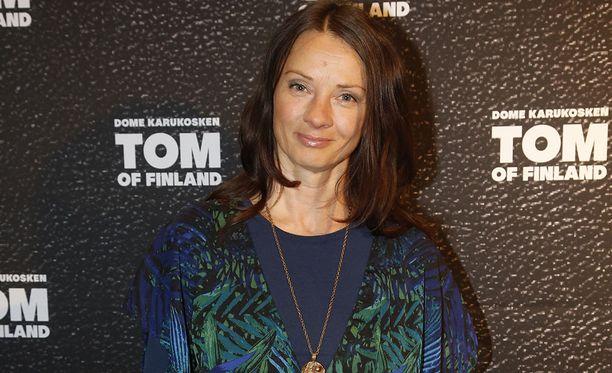 Kirsi Salo juonsi Heikointa lenkkiä 2000-luvun alkupuolella.