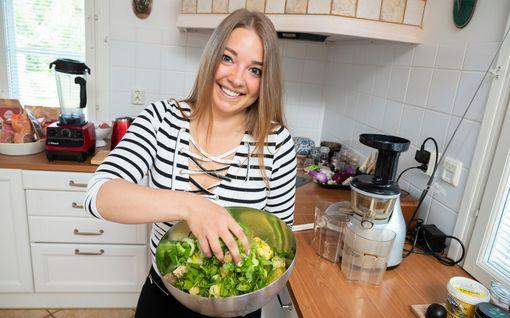 """Maria, 25, hurahti vihermehuihin: """"Se näkyy heti jaksamisessa"""" - 5 superterveellistä reseptiä!"""