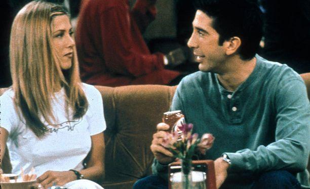Rossilta ei kysytty, voiko Emma-tytär muuttaa Pariisin äitinsä kanssa.