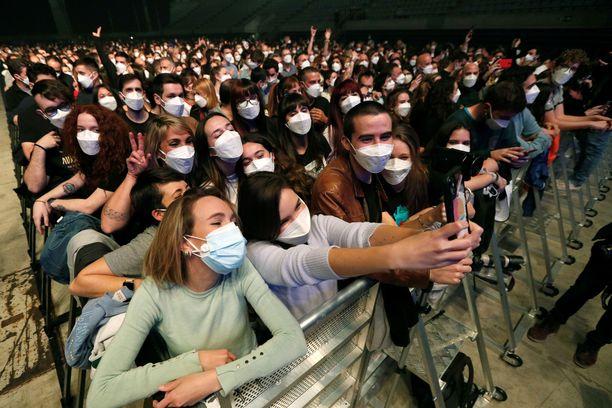 Barcelonan koronakonserttikokeilusta ei ole todettu jatkotartuntoja.