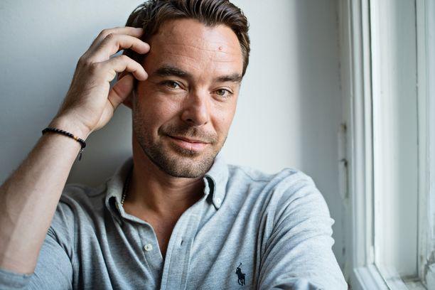Mikko Leppilampi tunnetaan esimerkiksi Tanssii tähtien kanssa -ohjelman juontajana.