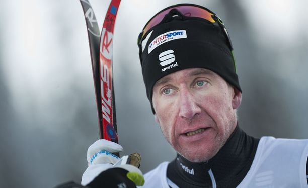 Tero Similä lyhentää Hiihtoliitolle 40 000 euron dopingsakkoaan.