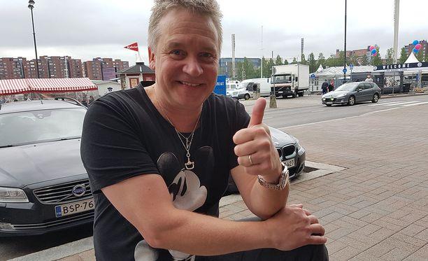 Eppu Salminen, 52, on tunnettu suomalainen näyttelijä ja juontaja.