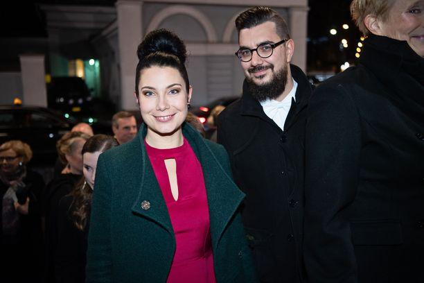 Emma Kari ja hänen puolisonsa Tapio Laakso Linnan juhlissa vuonna 2018.