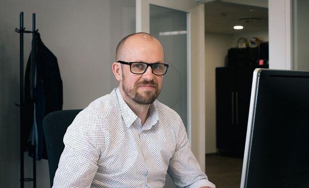 Ulkoinen markkinointipäällikkö tiimeineen tuo yritysviestintään suunnitelmallisuutta ja pitkäjänteisyyttä, sanoo BSTR Luova Konttorin toimitusjohtaja Tero Luoma.