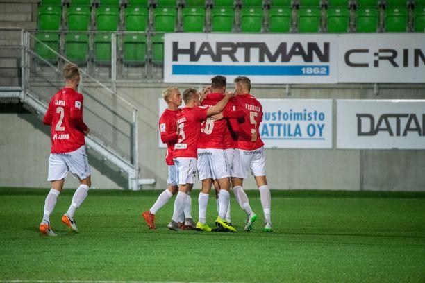 FC Lahti juhli viime syksynä Vaasassa.