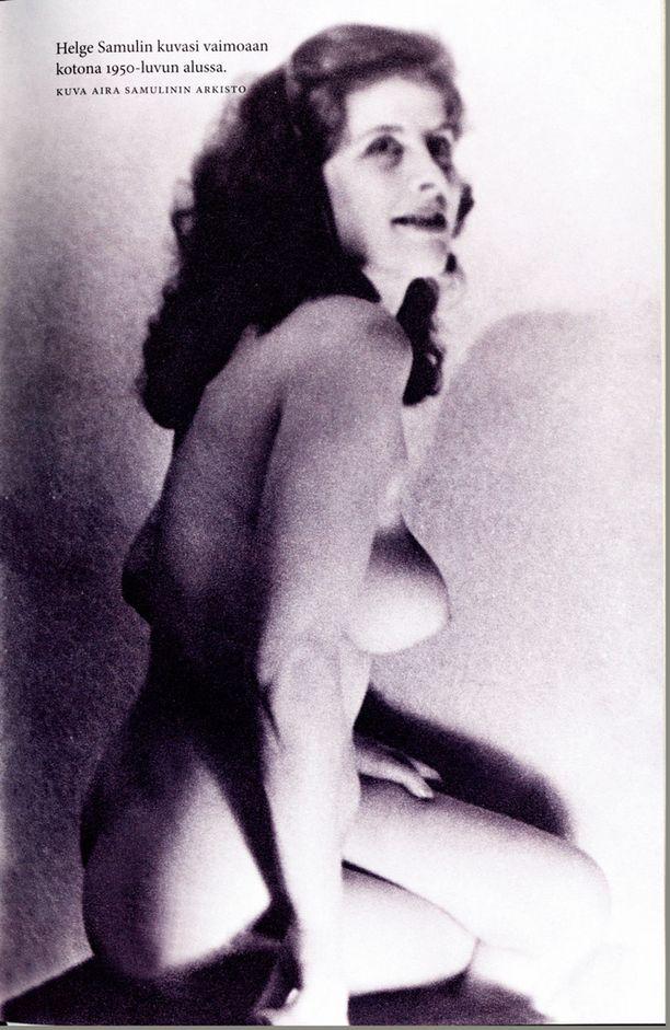Aira ensimmäisen aviomiehensä kuvaamaana 1950-luvun alkupuolella.