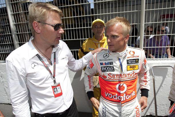 Mika Häkkinen olisi halunnut toimia Heikki Kovalaisen managerina.