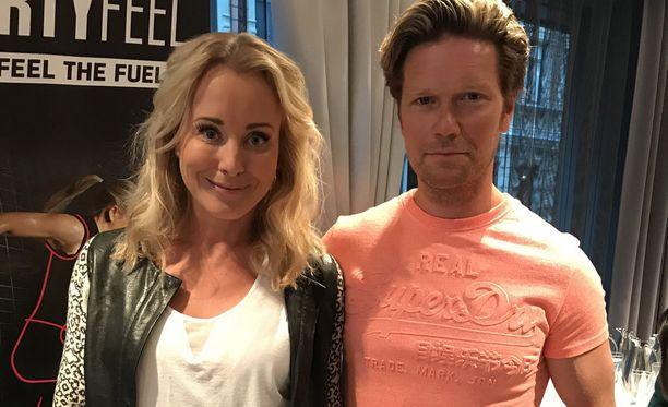 Noora Karma ja Jani Strömsholm ehtivät olla naimissa alle vuoden ennen erohakemusta.