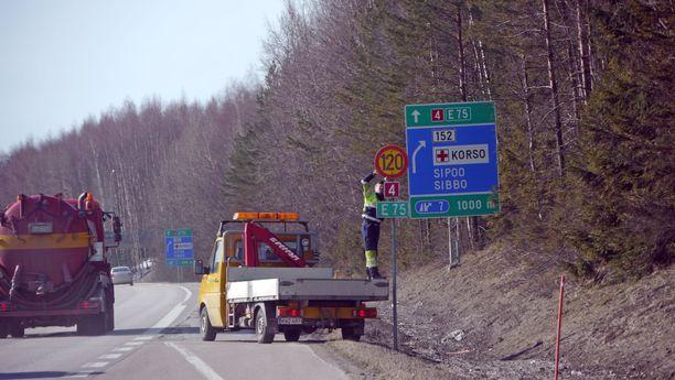 Nopeusrajoituksia aletaan vaihtaa tällä viikolla. Tämä kuva on keväältä 2012.