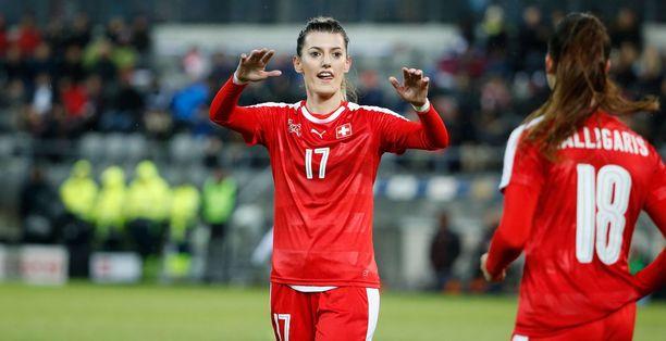Sveitsin maajoukkueessa ja maan korkeimmalla sarjatasolla pelannut Florijana Ismaili kuoli uintiretkellä. Ismaili oli vuokrannut veneen ystävänsä kanssa.