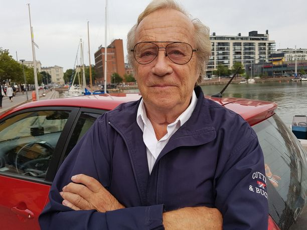 Jorma Pulkkinen, 77, jatkaa edelleen juontotöitä.