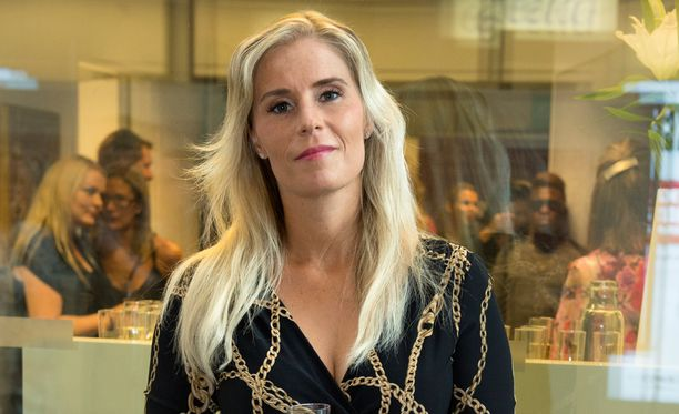 Hanna Kärpänen suree sekä eroa että Lampelan saamaa tuomiota.