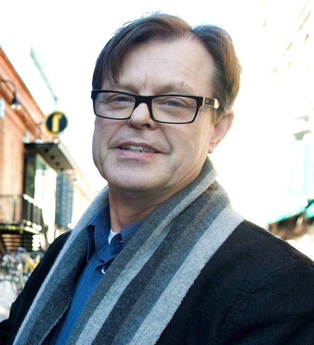 Claes Olssonin Kinoproductionin aiempaa tuotantoa on esimerkiksi lastenelokuva Me Rosvolat.