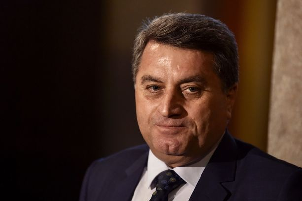 Kurdihallinnon ulkosuhteiden johtaja Abdulkarim Omar toivoo, että lapset haettaisiin pois al-Holin leiriltä Koillis-Syyriasta.