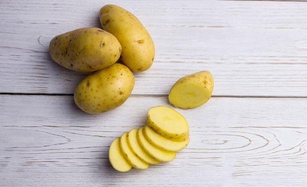Perunoissa on runsaasti C-vitamiinia ja muita iholle hyödyllisiä ravintoaineita.
