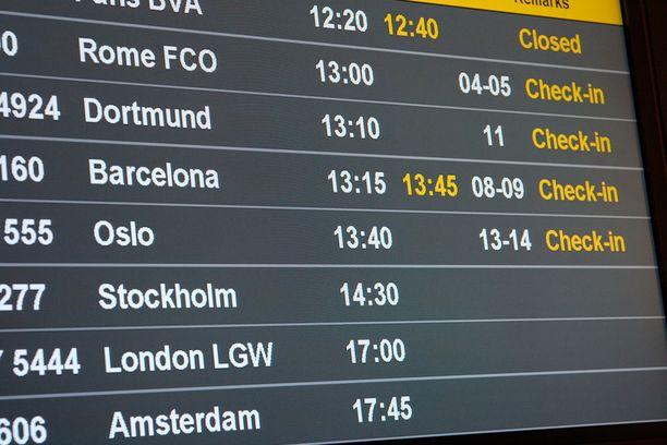 Lentoasemien langattomat verkot on usein suojattu salasanalla.
