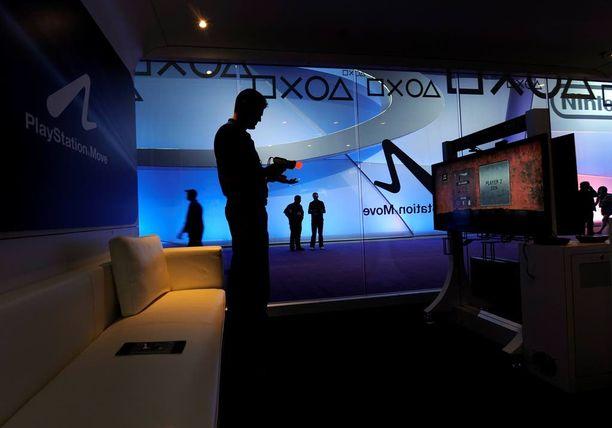 Veetin Playstation-pelaaminen toi äidille 491 euron luottokorttilaskun. Myös Kilpailu- ja kuluttajavirastolle vastaavat tapaukset ovat tuttuja.